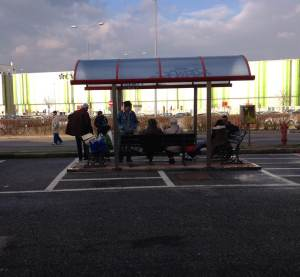 06_bus_stop_assago