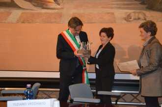 """Roma, 24 gennaio 2016 - L'Associazione Città per la Fraternità assegna al Comune di Asti il Premio """"Chiara Lubich"""""""