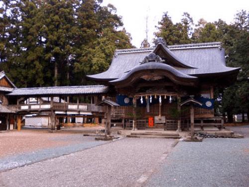 大川上美良布神社 - 香美市公式ホームページ