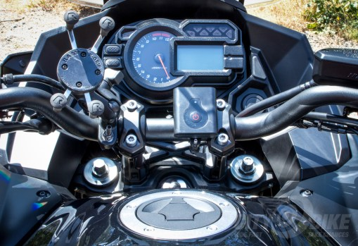 2015 Versys 1000 LT dash and instruments. Photo: Angelica Rubalcaba.
