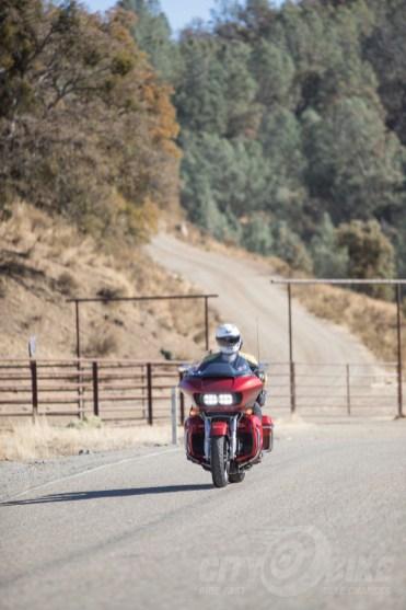 Daymaker headlights - Harley-Davidson Road Glide Ultra.