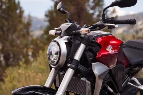 2019 Honda CB300R headlight