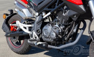 2018 Benelli TNT135 engine close-up