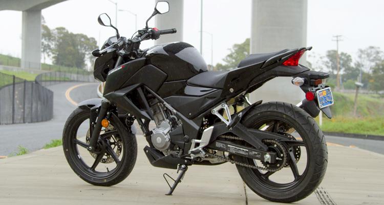 2016 Honda CB300F Feature