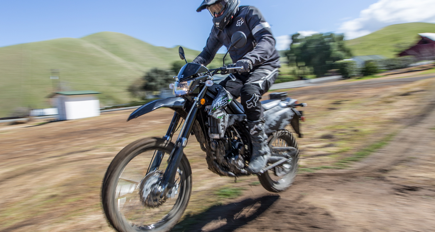 Terrific Middle Of The Off Road Is Kawasakis Klx250 Just Right Lamtechconsult Wood Chair Design Ideas Lamtechconsultcom