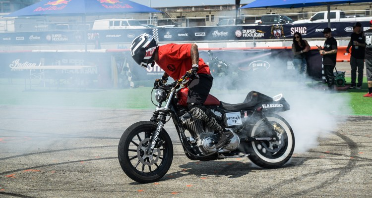 Moto Bay Classic stunter - photo by Tchell Depaepe