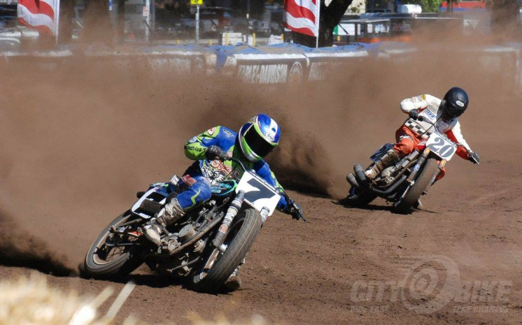 Sammy Halbert out in front of Matt Weidman at the last Santa Rosa in 2012.