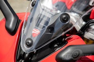 Ducati SuperSport S - windscreen detail view.