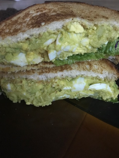 Weekend Recipe : Avocado Cucumber Egg Salad Sandwich