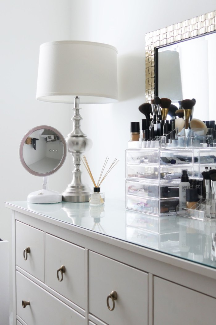HOW TO KEEP YOUR DRESSER NEAT, TIDY AND GLAM