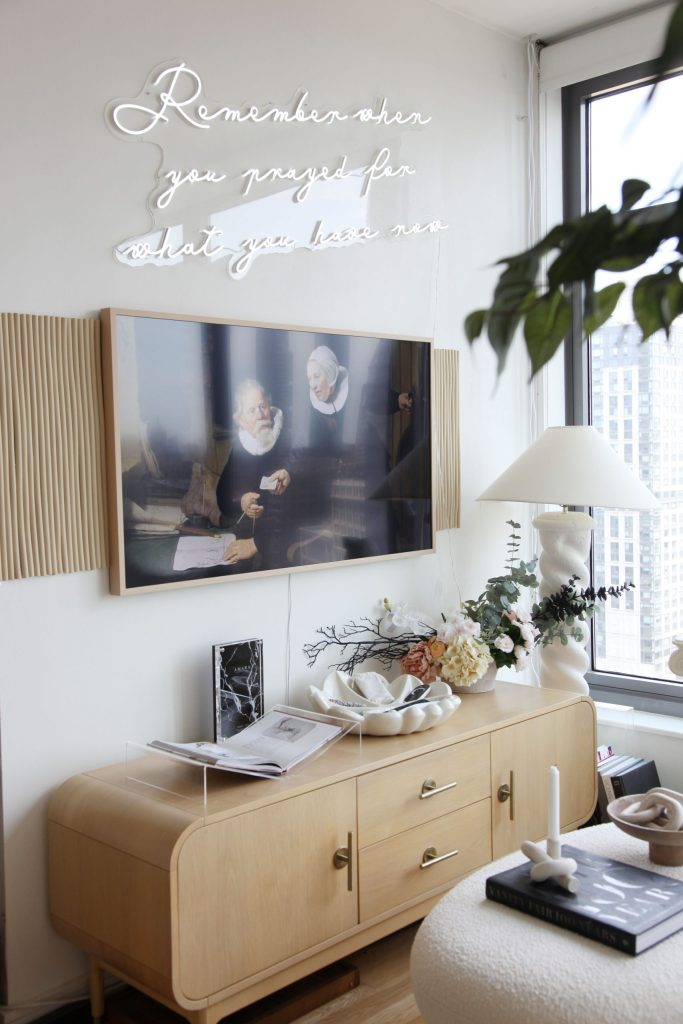 How to Add Pops of Color to Your Small Apartment