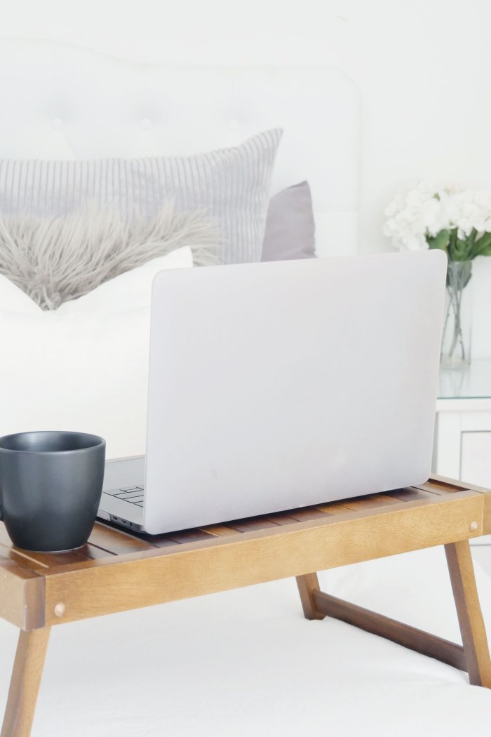 How to Comfortably Work-From-Home in a Small Apartment