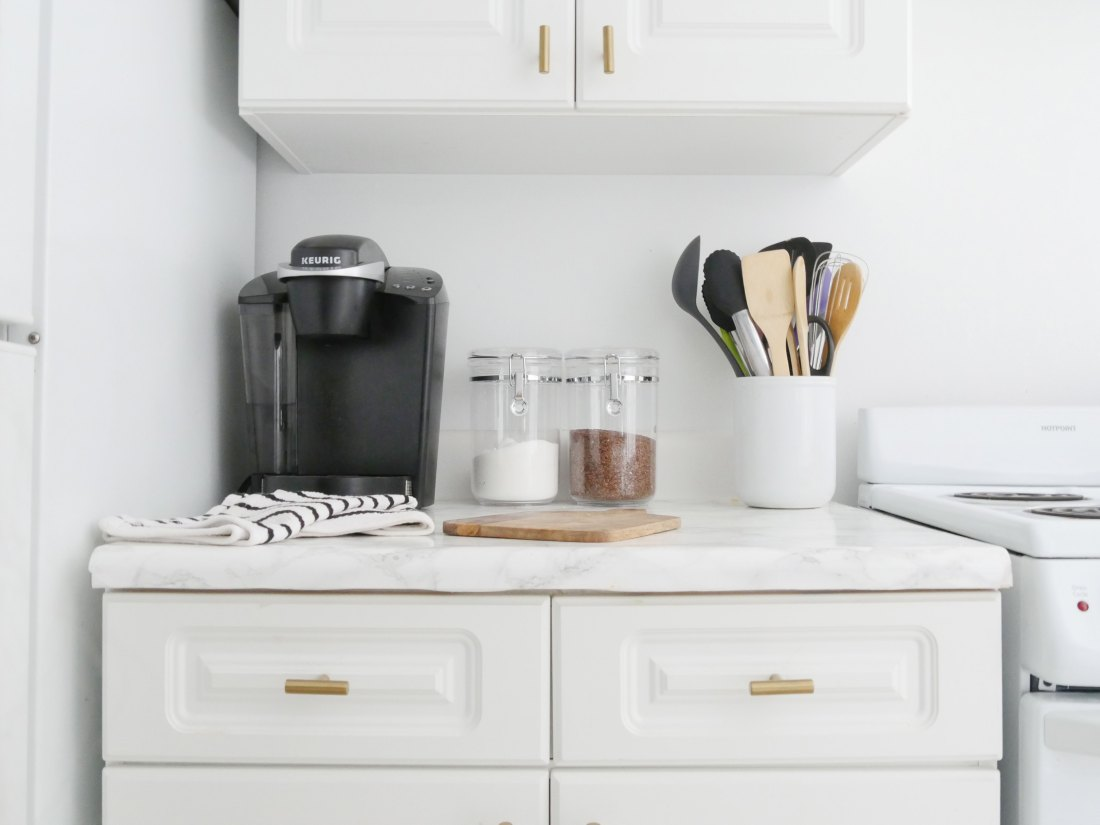 How to Decorate Your Kitchen Countertop - City Chic Decor