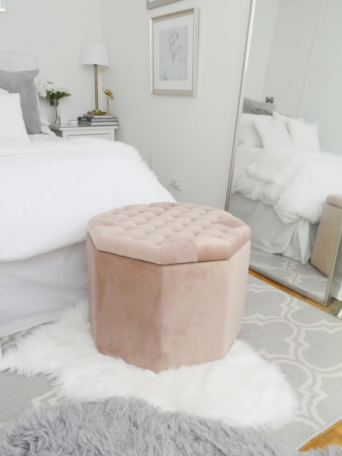 Live in a small space and struggle with storage? Try these chic furniture pieces that have built-in storage! #rentalhomedecorating #rentaldecorating #rentalapartmentdecorating #smalllivingroomideas #smallapartmentdecorating #smallapartmentideas