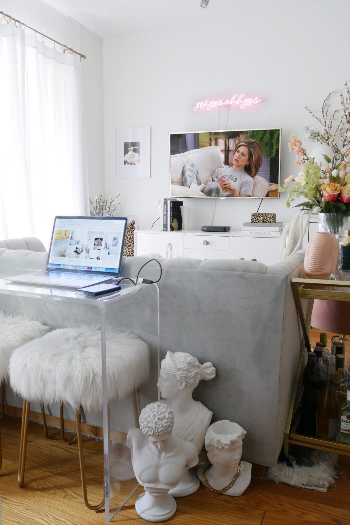 How to Create a Home Office in a Studio or Small Apartment