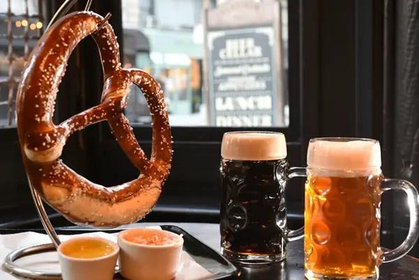 jumbo heartland pretzel