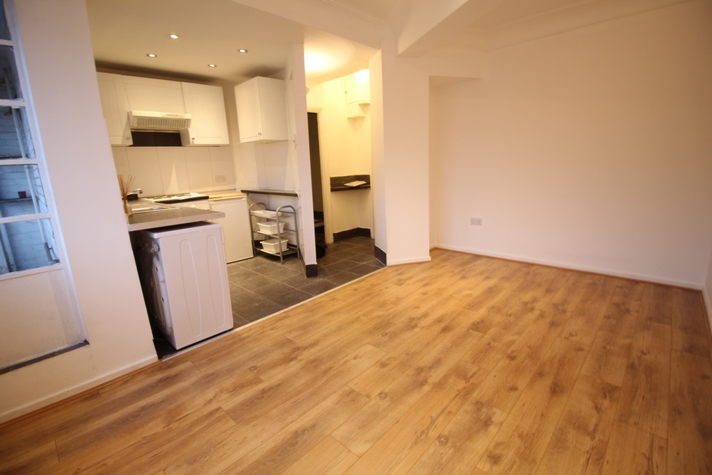 Flat In Clapham South London Sw4 9aa Cityhomes Estates