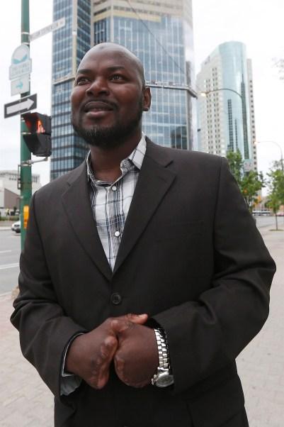 """Résultat de recherche d'images pour """"ghanaian man receives refugee status losing fingers crossing canadian border"""""""