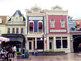 restaurants in disneyland