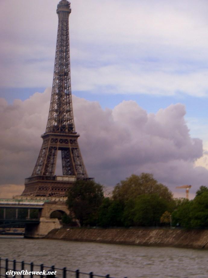 approaching Eiffel