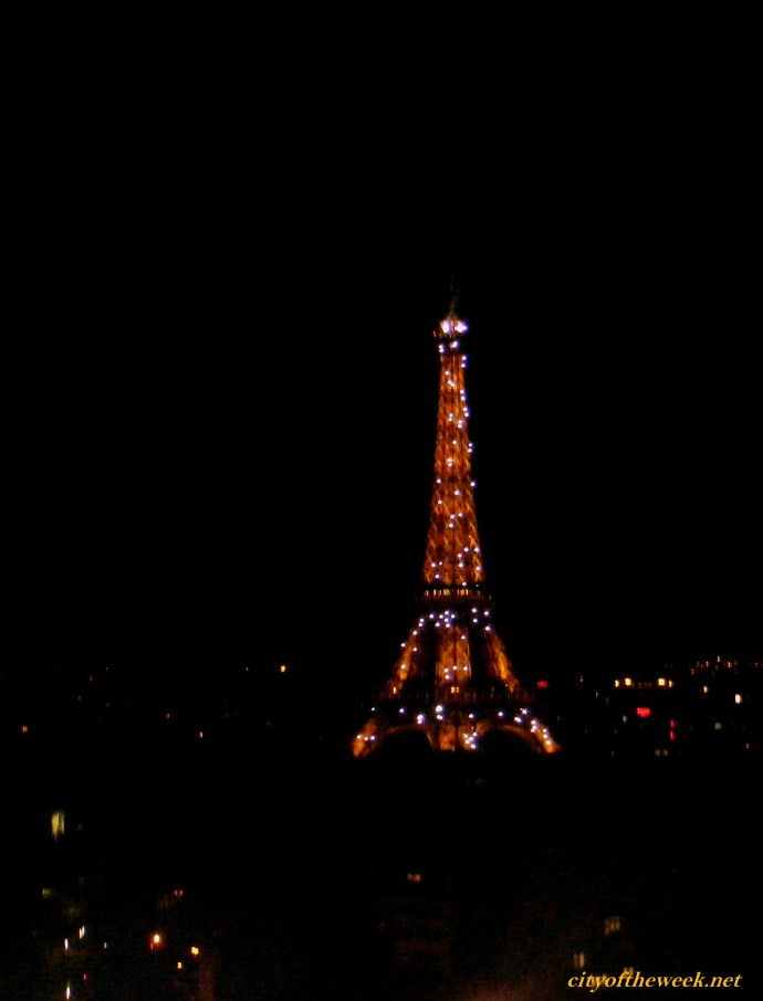 light show on the Eiffel