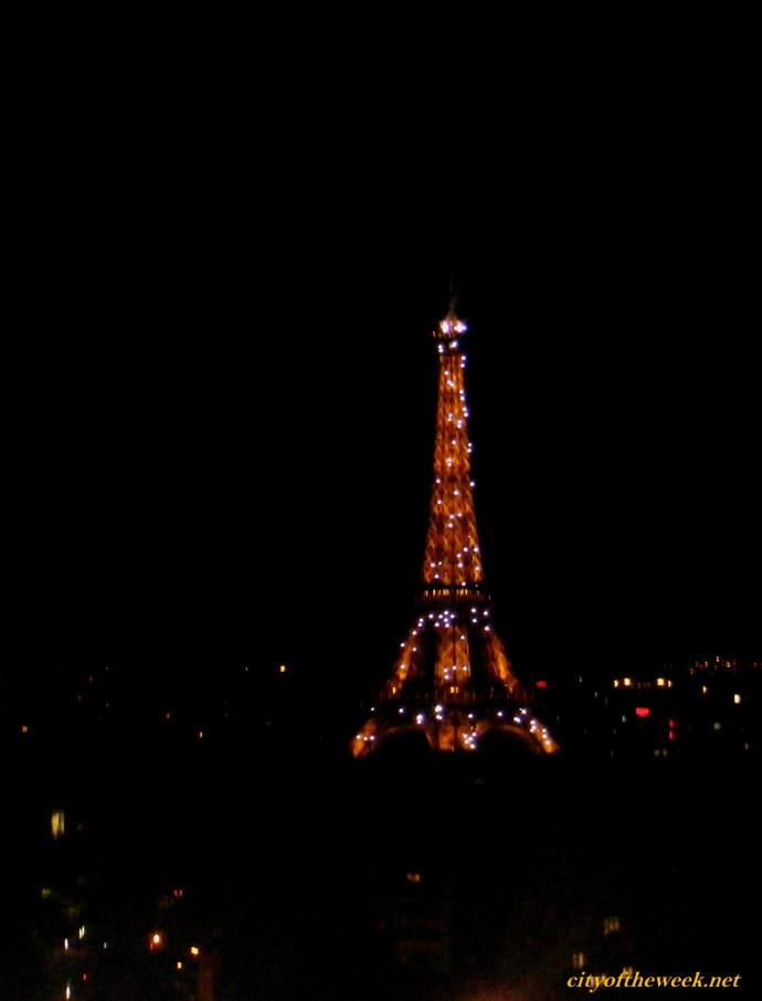 light show on the Eiffel