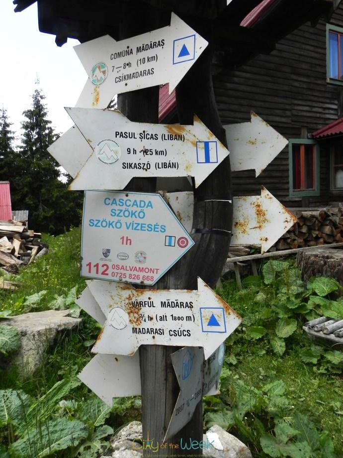 Madarasi Hargita tourist signs