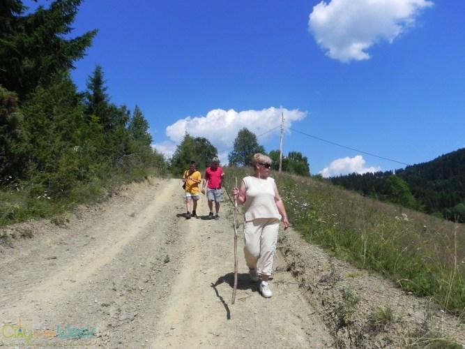 walking back from Detunata Flocoasa