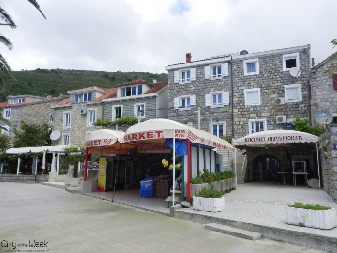 lovely houses in Petrovac Na Moru