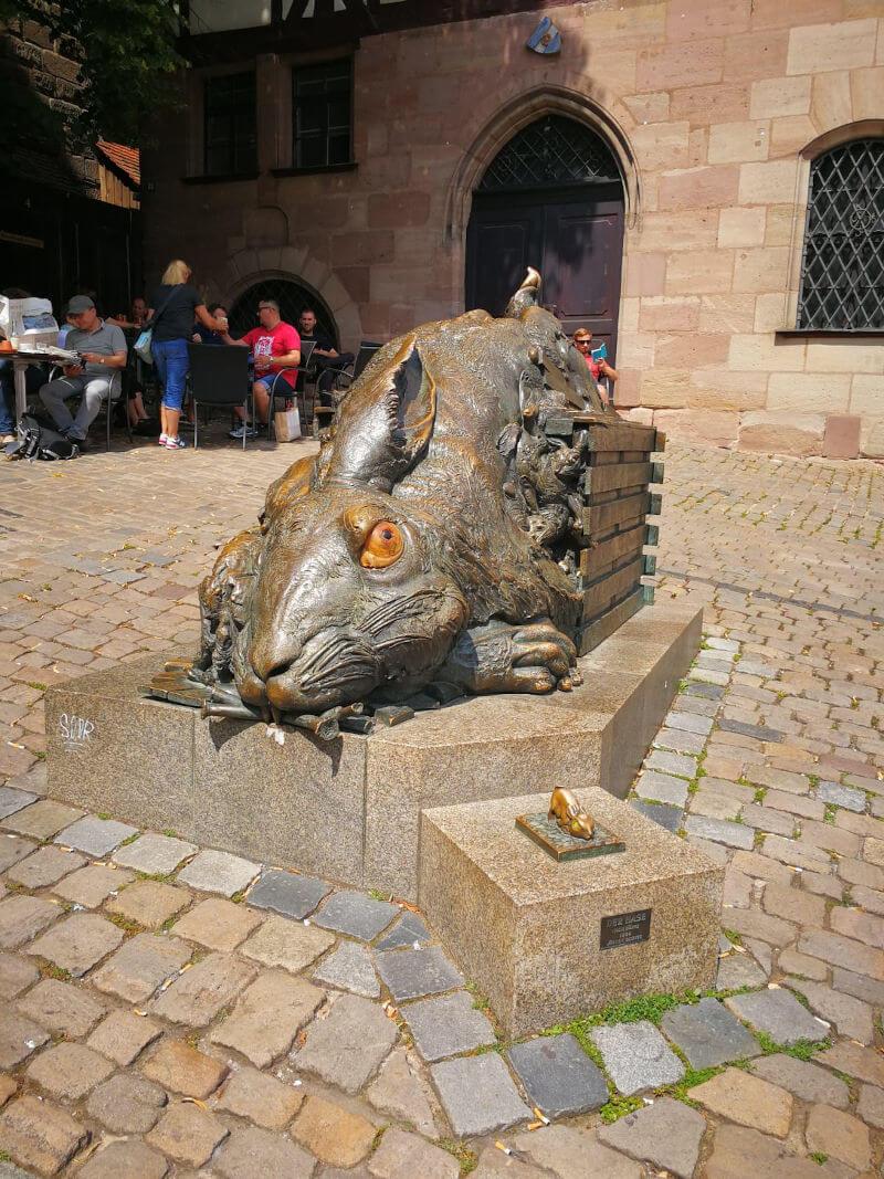 Statue of Albrecht's Hare in Nuremberg