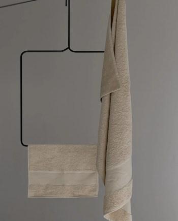 Asciugamani in spugna di cotone ricamati