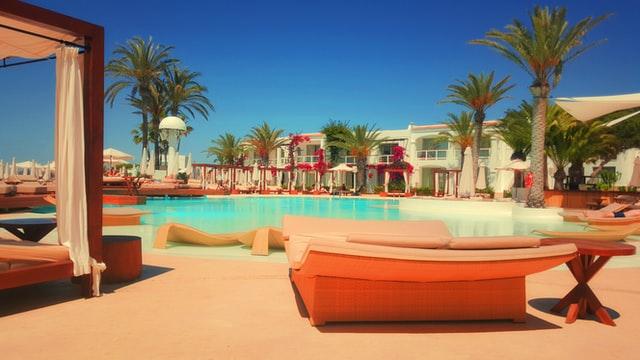 Desert resorts in Abu Dhabi
