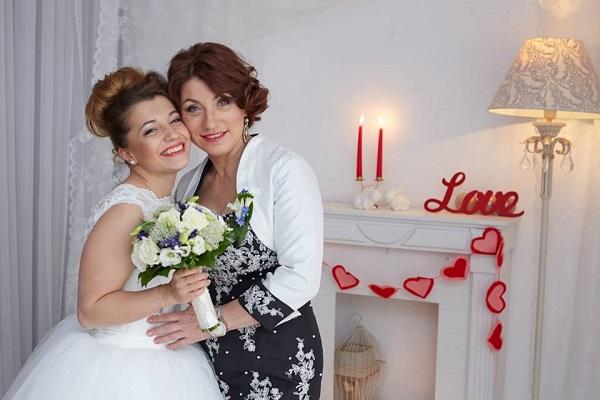 Свадебный наряд дочери обошелся Розе Сябитовой в млн руб.