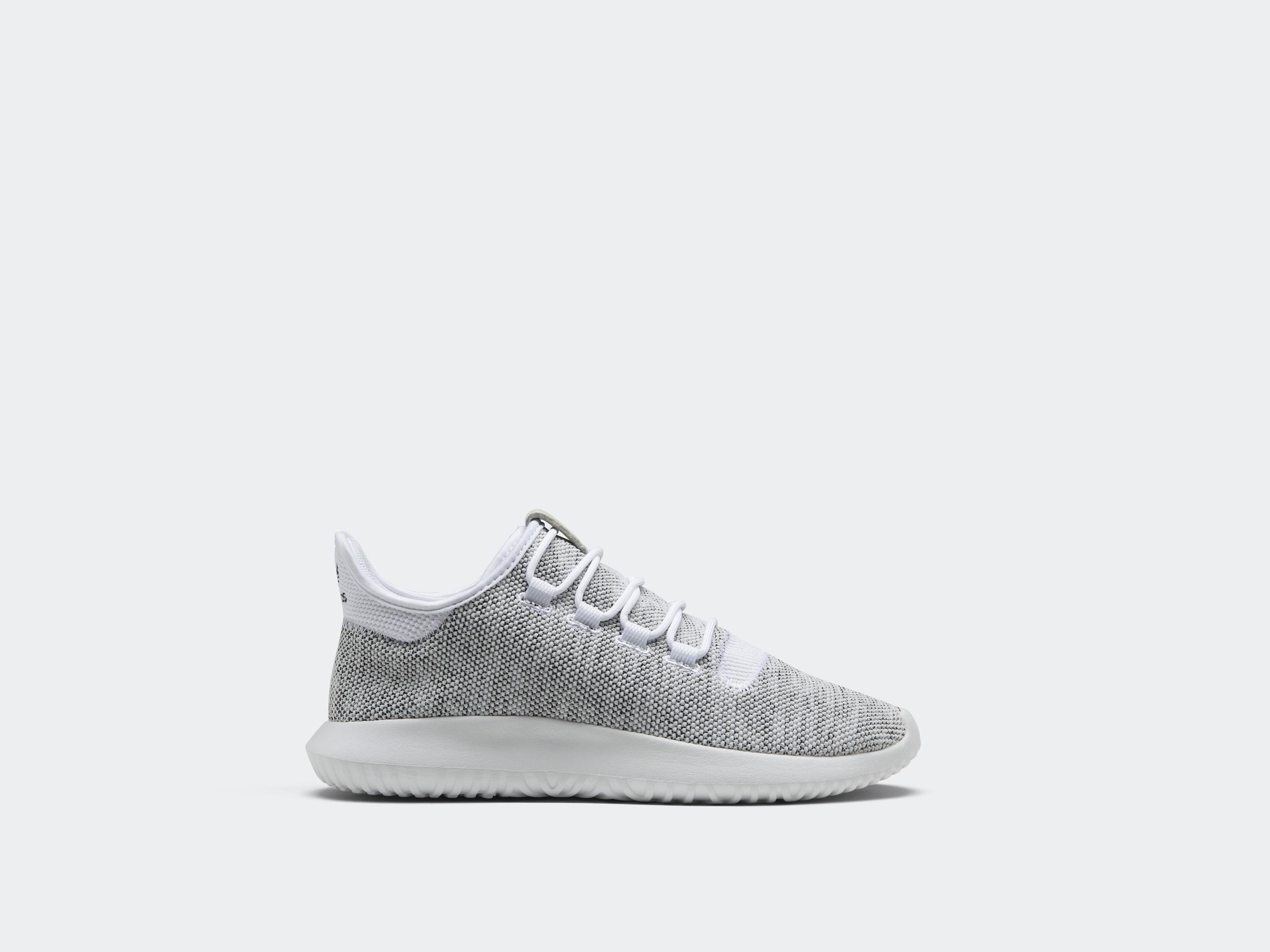 adidas Originals представляет новые версии кроссовок Tubular Shadow