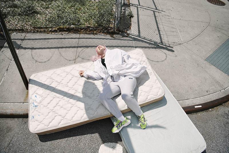 adidas Originals представляет новые расцветки модели OZWEEGO