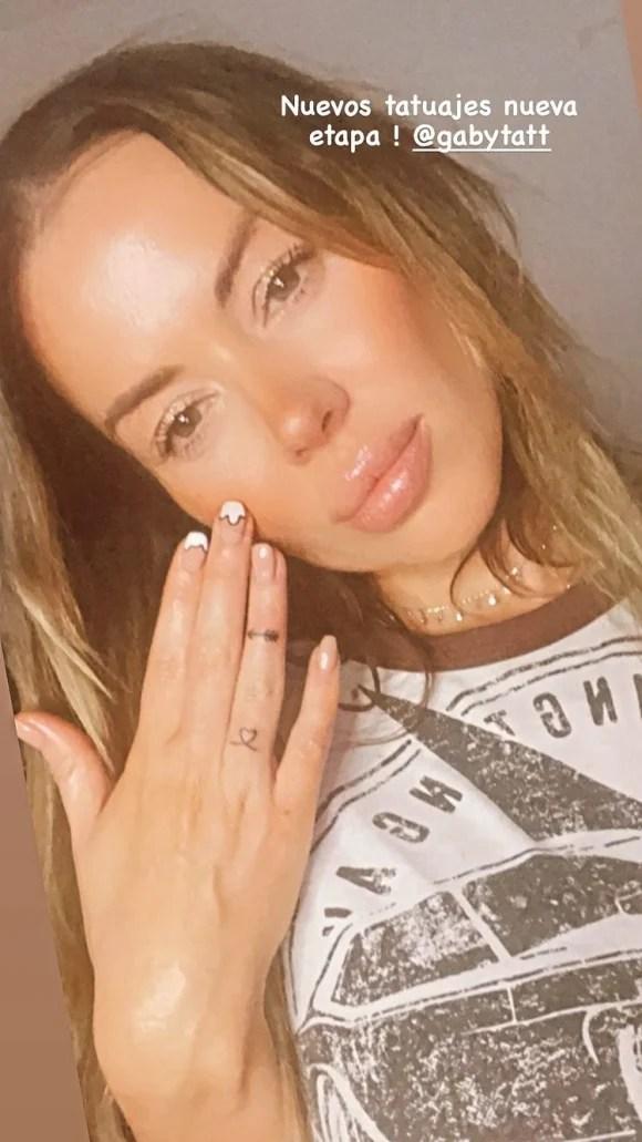 """Las fotos de Karina Jelinek con los sensuales tattoos que se hizo con su amiga, Florencia Parisse: """"Nuevos tatuajes, nueva etapa"""""""