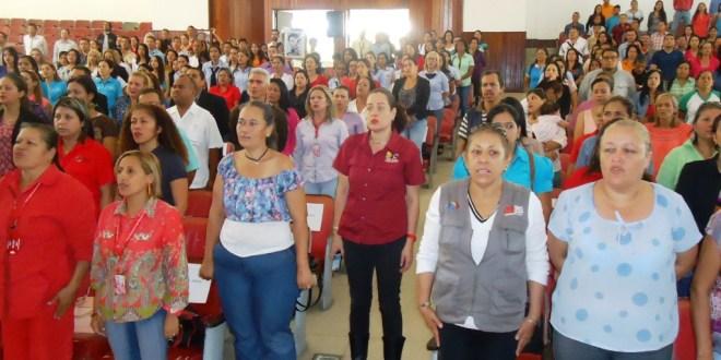 Docentes larenses fueron condecorados con la Orden Única Día del Maestro
