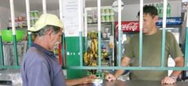 EN 'COMBOS' Y CON SOBREPRECIO: Denuncian venta condicionada de productos regulados