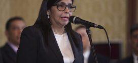Canciller Delcy Rodríguez entregó al #TSJ documento en apoyo a las decisiones