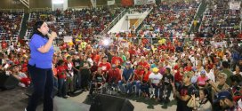 Candidata Carmen Meléndez se reúne con integrantes de comunas de Lara