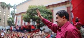 Presidente Maduro recibe al pueblo que celebra 100  años  de la Revolución Rusa