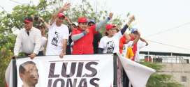 Con la 'Caravana de la Esperanza' inició la campaña en Iribarren