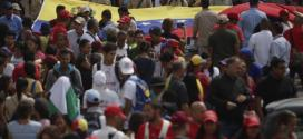 Marcha por centenario de la Revolución de Octubre llegó a Miraflores