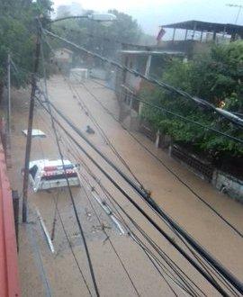 Fuertes lluvias causaron inundaciones en zonas de Caracas y Miranda el día de ayer