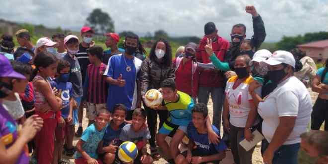 EN EL CERCADO / Comuneros y comuneras celebraron el 7mo aniversario de la base de misiones  «Por Aquí Pasó Chávez»