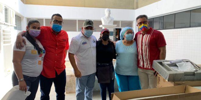 Gobernador Adolfo Pereira entregó insumos médicos al Hospital Dr. Daniel Camejo Acosta