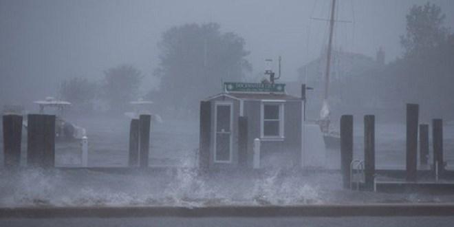 Paso de tormenta Henri por Rhode Island deja daños en más de 120.000 viviendas