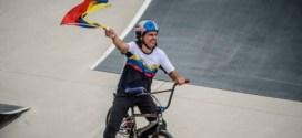 El ciclista venezolano Daniel Dhers aclara el tema político y envía un mensaje a «los intensos»