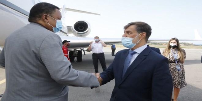 Secretario General de la OPEP llega a Venezuela para promover estabilización del precio del petróleo