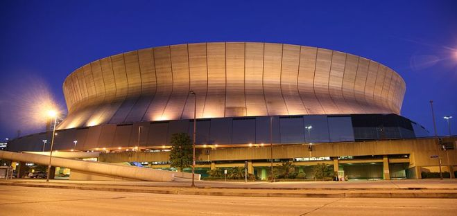800px-superdome_night